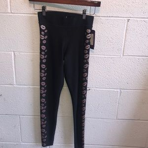 Ultracor lip print legging szXS New with tags